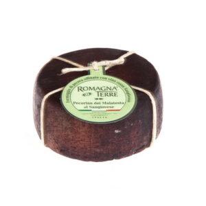 Formaggio di pecora affinato con vino rosso Sangiovese prodotto in Italia senza coloranti né conservanti