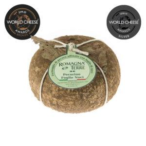 Formaggio di pecora stagionato con foglie di noci prodotto in Italia senza coloranti nè conservanti